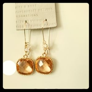 ANTHROPOLOGIE PRETTY AMBER COLORED EARRINFS